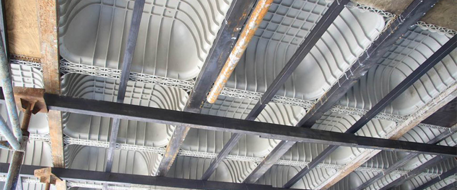 مقایسه دال های بتنی سقف وافل و سقف یوبوت