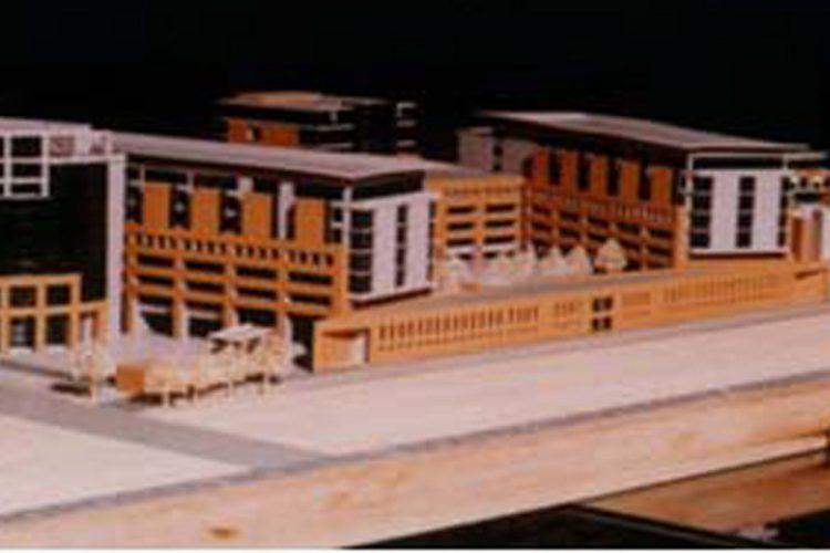 نقشه ساختمان شرقی غربی به چه صورت است؟